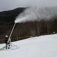 Snowmaking resumes